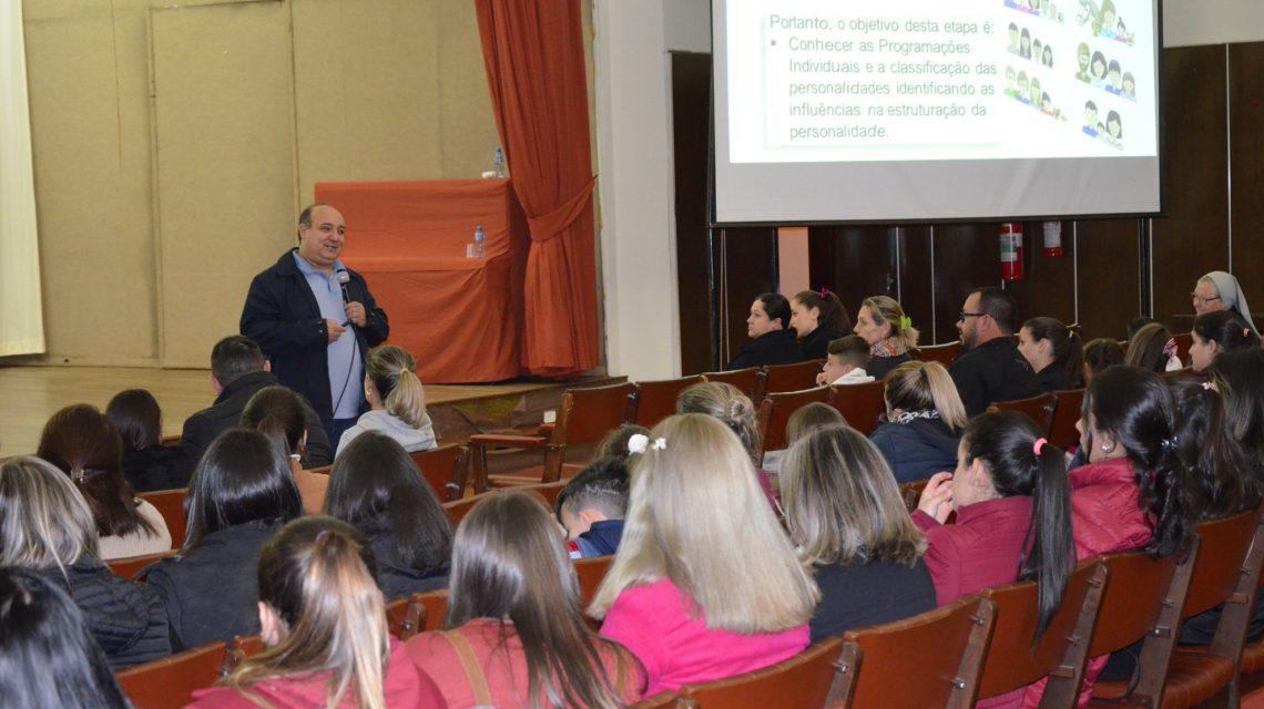 Encontro Pais e Filhos é realizado pelo Colégio Bom Jesus em Palmas