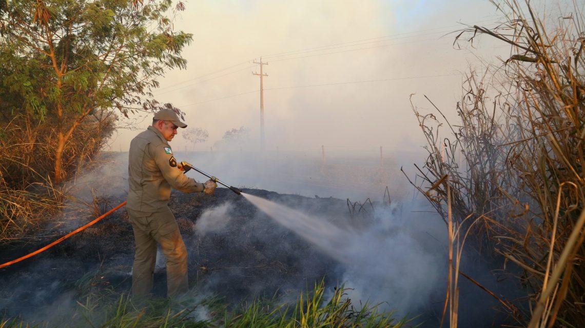 Bombeiros reforçam alerta para evitar queimadas