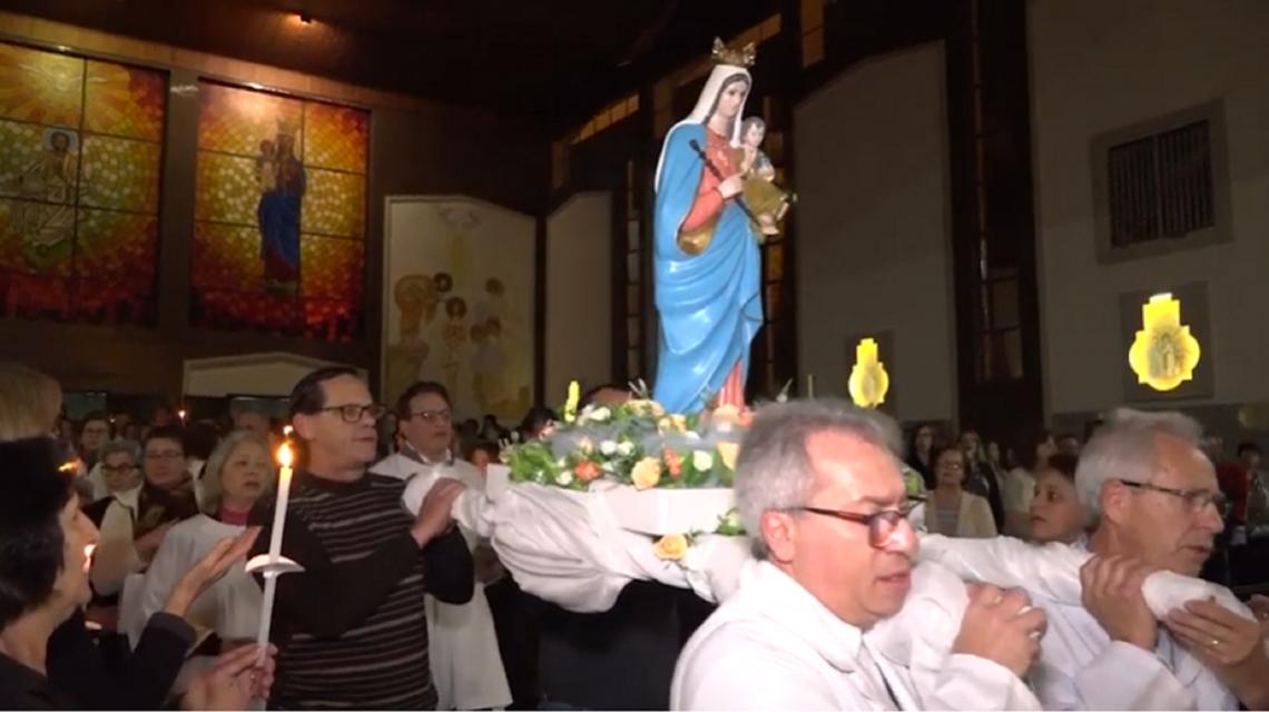 Em Francisco Beltrão, chegada da imagem da padroeira marca primeiro dia do tríduo na Concatedral