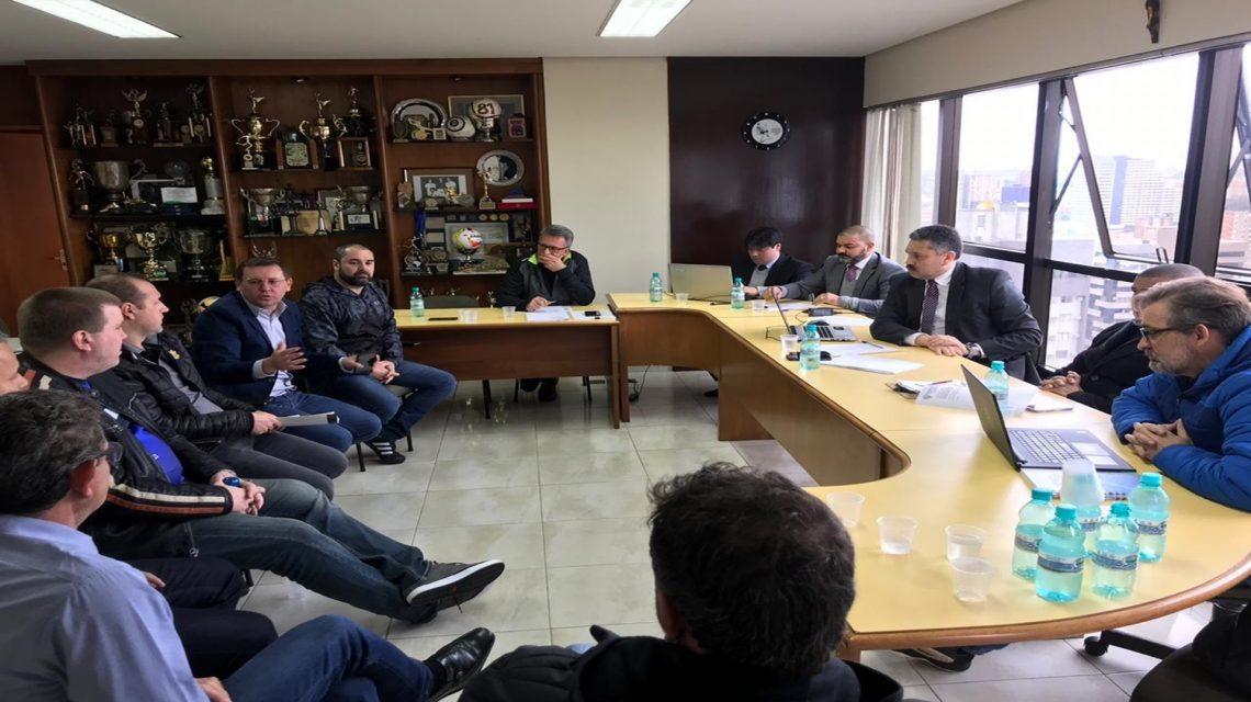 Reunião define acordo entre FPFS e Liga Futsal Paraná