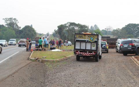 Rapaz de 26 anos morre em acidente envolvendo moto e caminhão na PR-158, em Vitorino