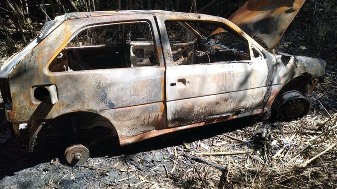 Veículo furtado em Pato Branco é localizado queimado