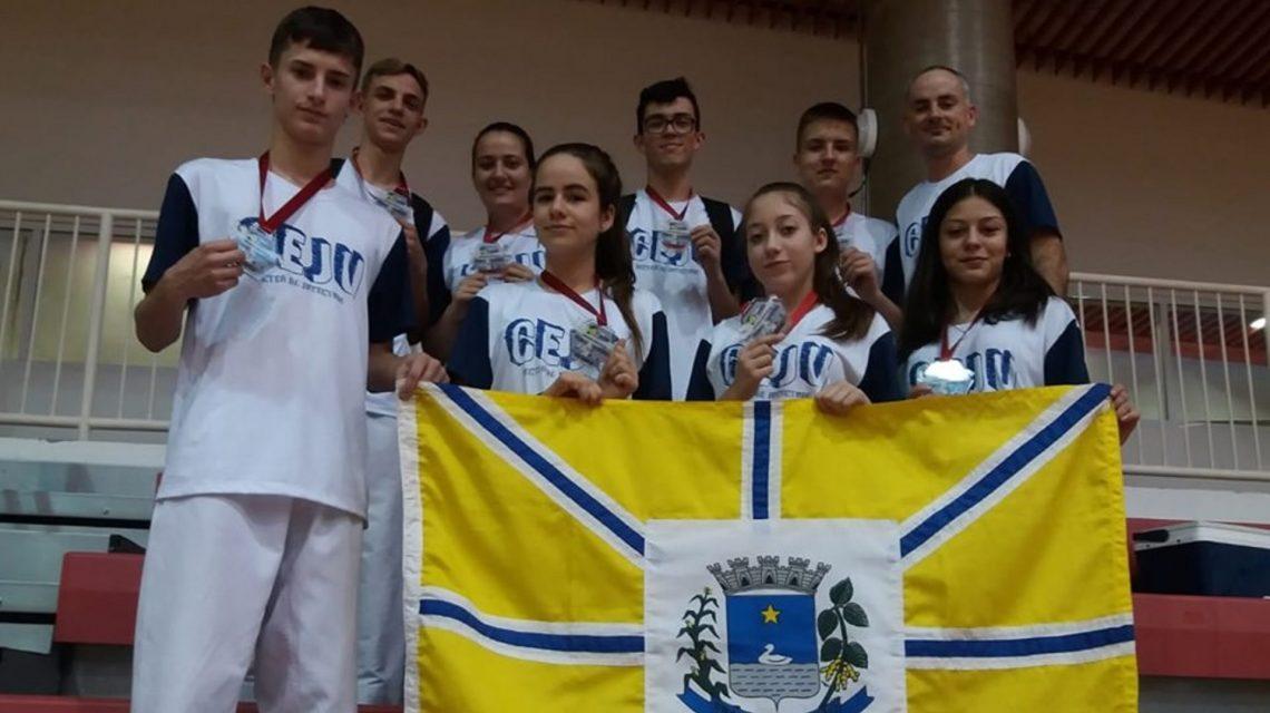 Atletas beltronenses participam de competição nacional de Taekwondo