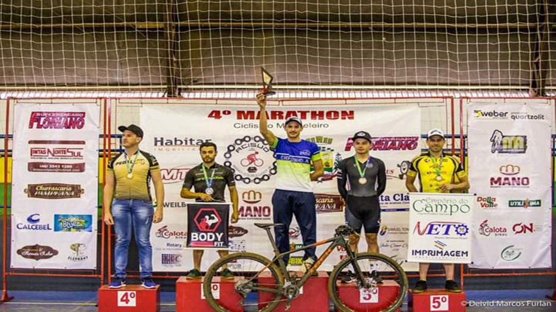 Atletas da Achoc vencem prova de Mountain Bike em Marmeleiro