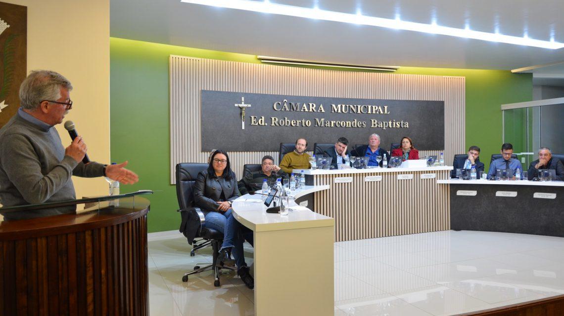 "Executivo apresenta projeto ""Palmas Iluminada"" ao Legislativo"