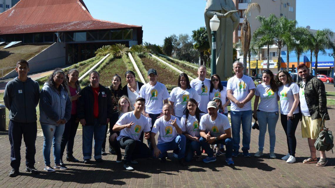 Dia Nacional do Surdo foi celebrado com encontro em Palmas