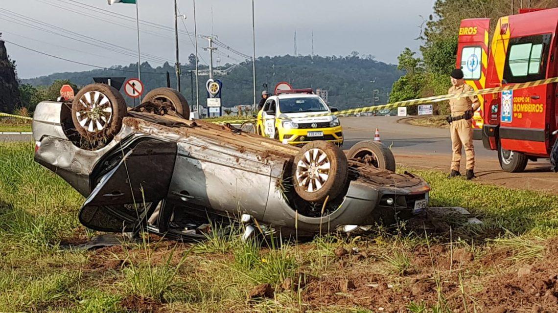 Francisco Beltrão: Homem morre após capotar veículo