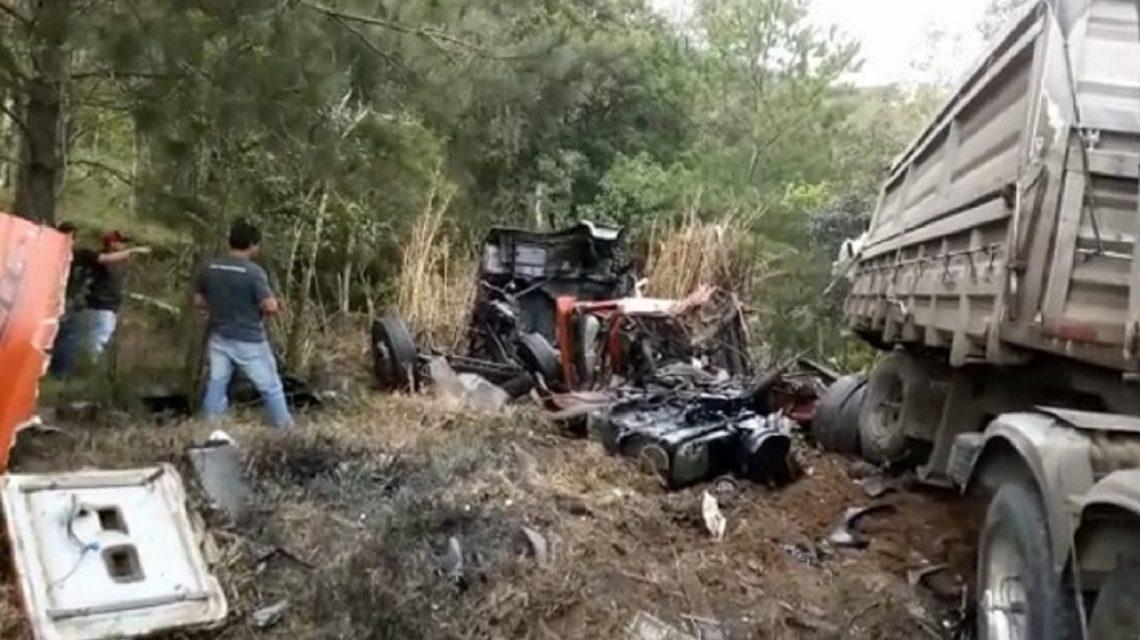 Palmense morre no choque entre três carretas na BR 153