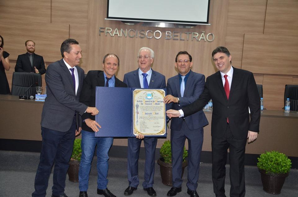 Almirante Melati recebe título de cidadão honorário de Francisco Beltrão