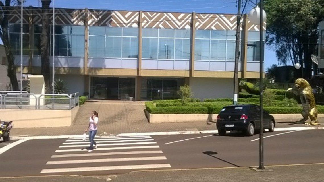Tribunal de Contas alerta prefeitura de Clevelândia sobre gastos com pessoal
