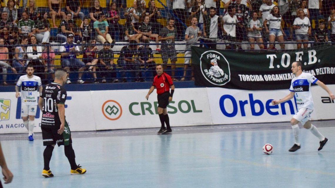 Marreco vence o Tubarão na LNF e hoje estreia na Liga Paraná