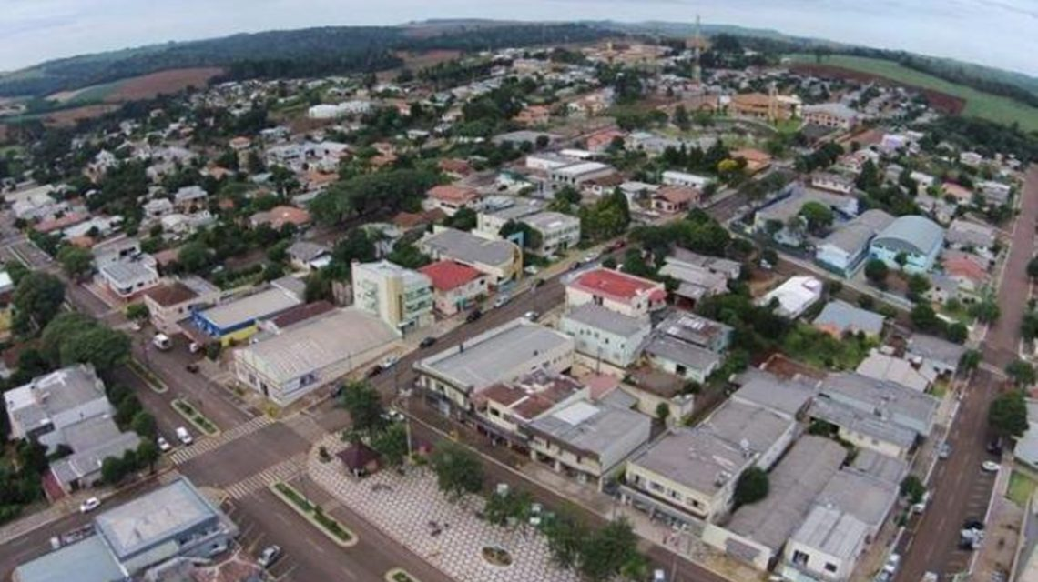 Tribunal considera irregulares contas de 2016 de Mariópolis e multa ex-prefeito