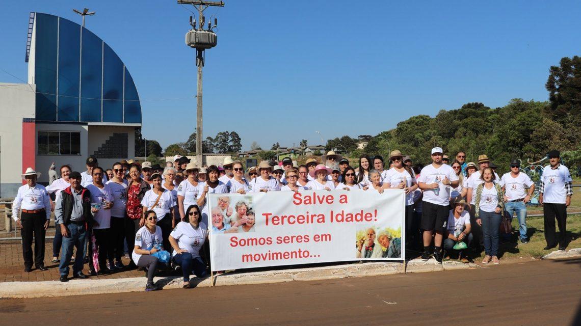 Caminhada abre programação alusiva ao Dia Internacional da Pessoa Idosa, em Candói