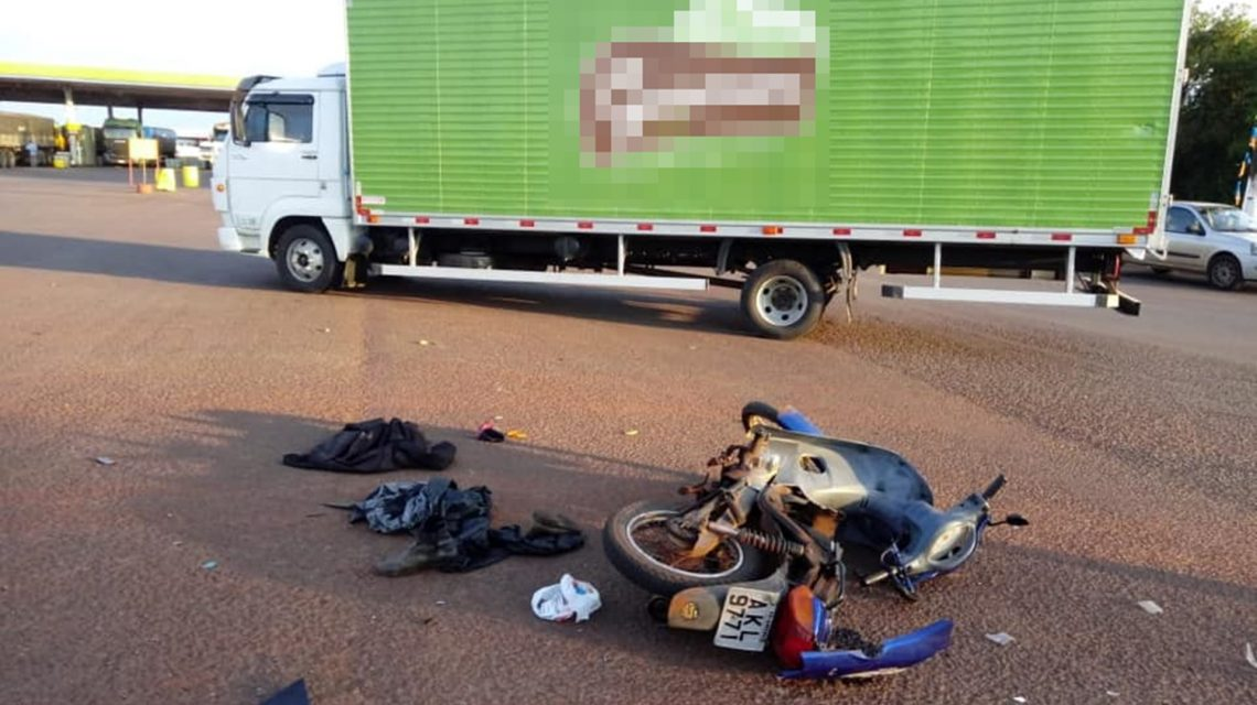 Homem de 46 anos morre vítima de acidente entre moto e caminhão em Ampére