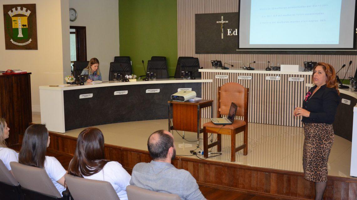 Procuradoria da Mulher de Palmas debate ações para combater a violência