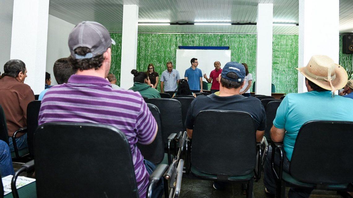 Prefeitura faz nova entrega de tanques de expansão à produtores de leite em Chopinzinho