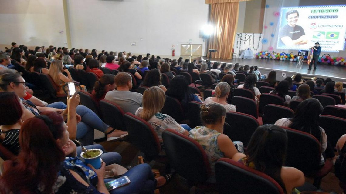Dia dos Professores: Profissionais de Chopinzinho participam de palestra