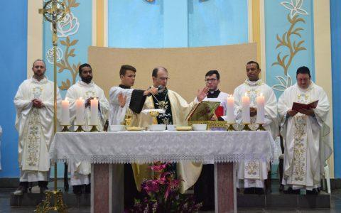 Dom Edgar Ertl preside Missa no Santuário de Paranaguá