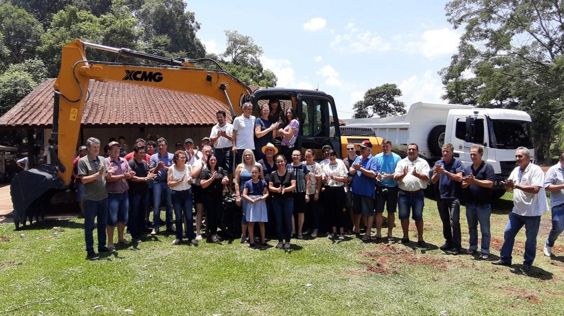 Prefeitura de Porto Barreiro recebe nova Escavadeira Hidráulica