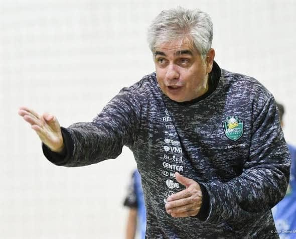 Marreco demite o técnico Paulinho Gambier