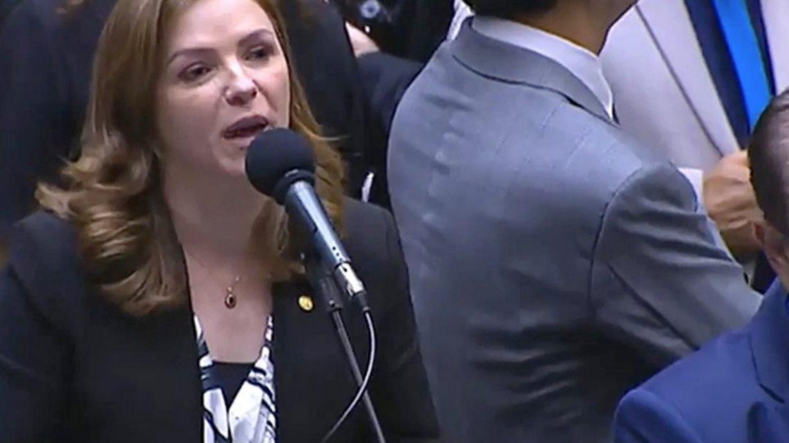 Deputada Leandre vota contra aumento do fundo eleitoral
