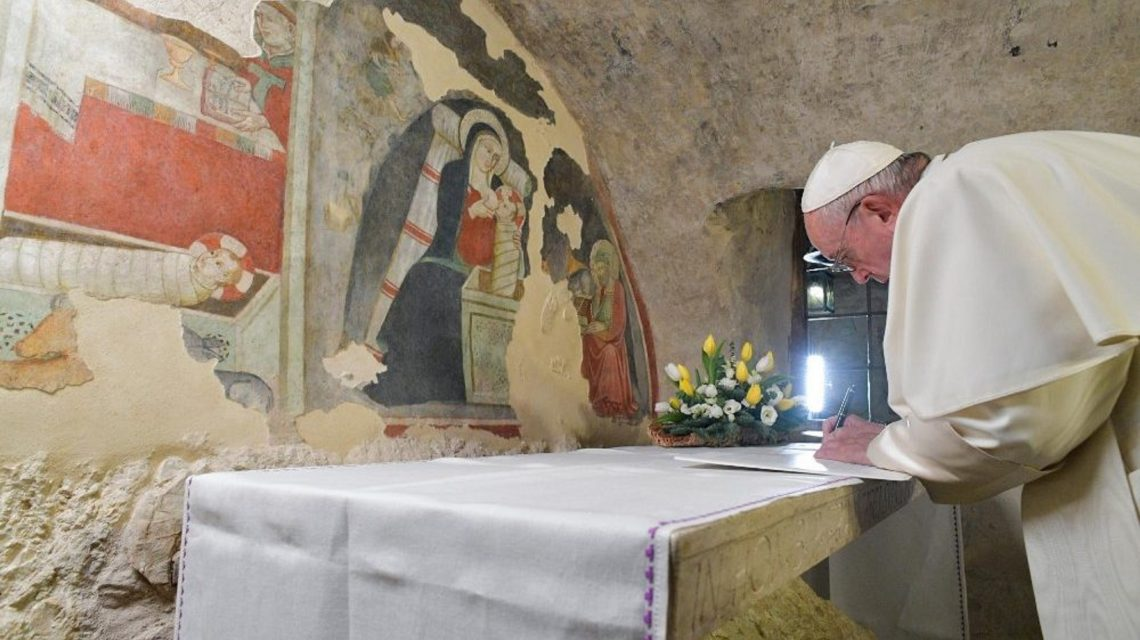 Papa Francisco publica carta apostólica sobre o significado do Presépio