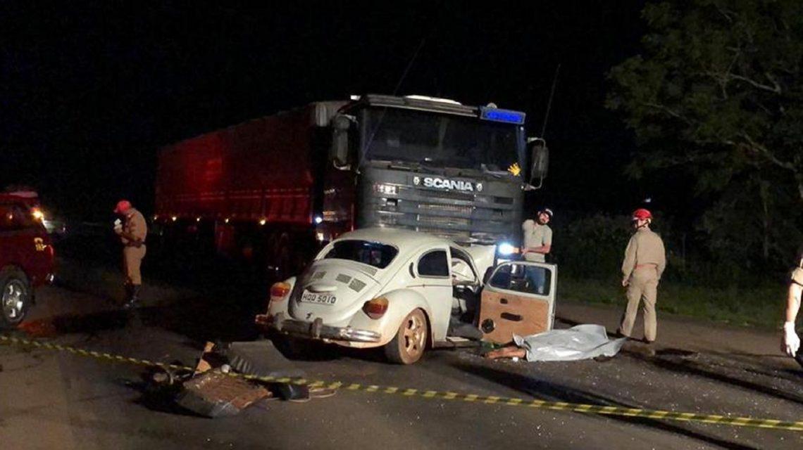Francisco Beltrão: Colisão frontal entre carro e caminhão deixa um morto e dois feridos na PR-483