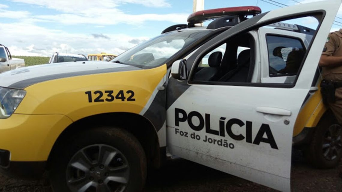 Homem é detido após agredir frequentador de bar em Foz do Jordão