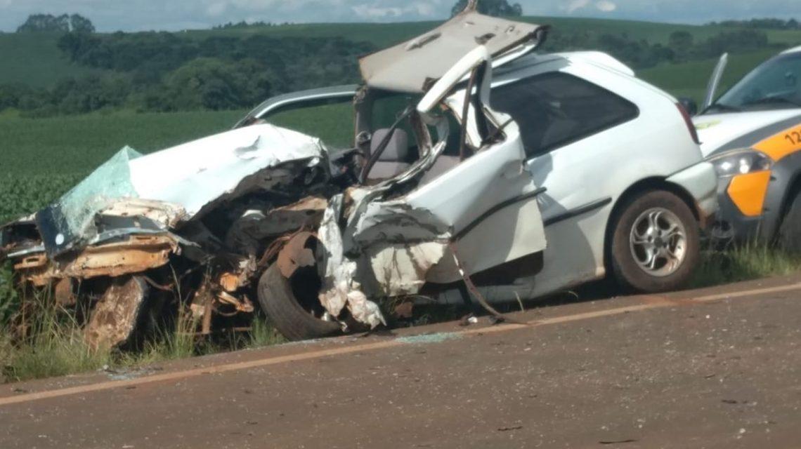 Batida frontal deixa deixa um vítima fatal e um ferido na PR-281, em Manguerinha