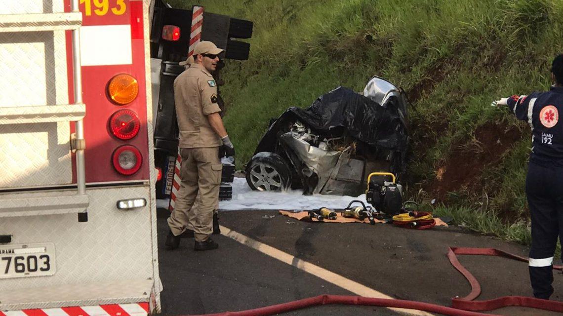 Batida frontal entre carro e caminhão mata jovem de 19 anos em Coronel Vivida