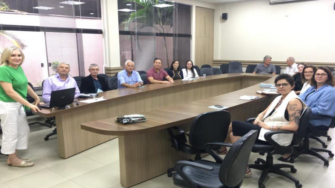 Comitiva de Guarapuava conhece ações do Cidade Amiga do Idoso no Sudoeste