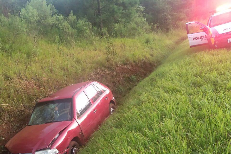 Passageiro fica ferido em capotamento na BR 280 em Flor da Serra do Sul