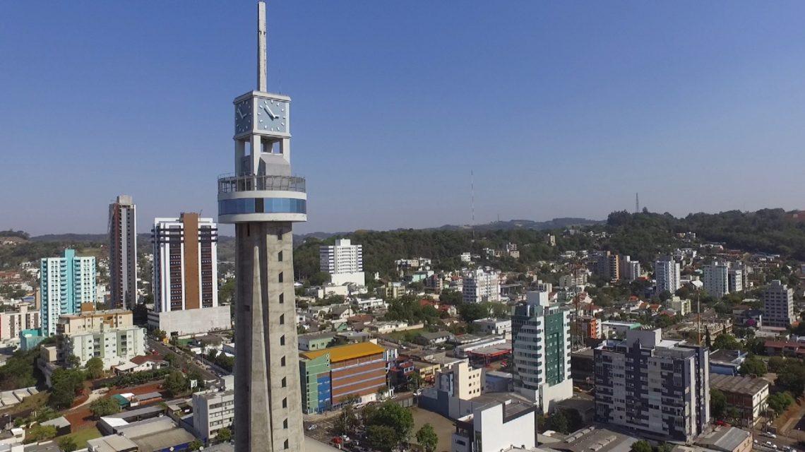 Relógio da Concatedral de Francisco Beltrão voltará a funcionar esta semana