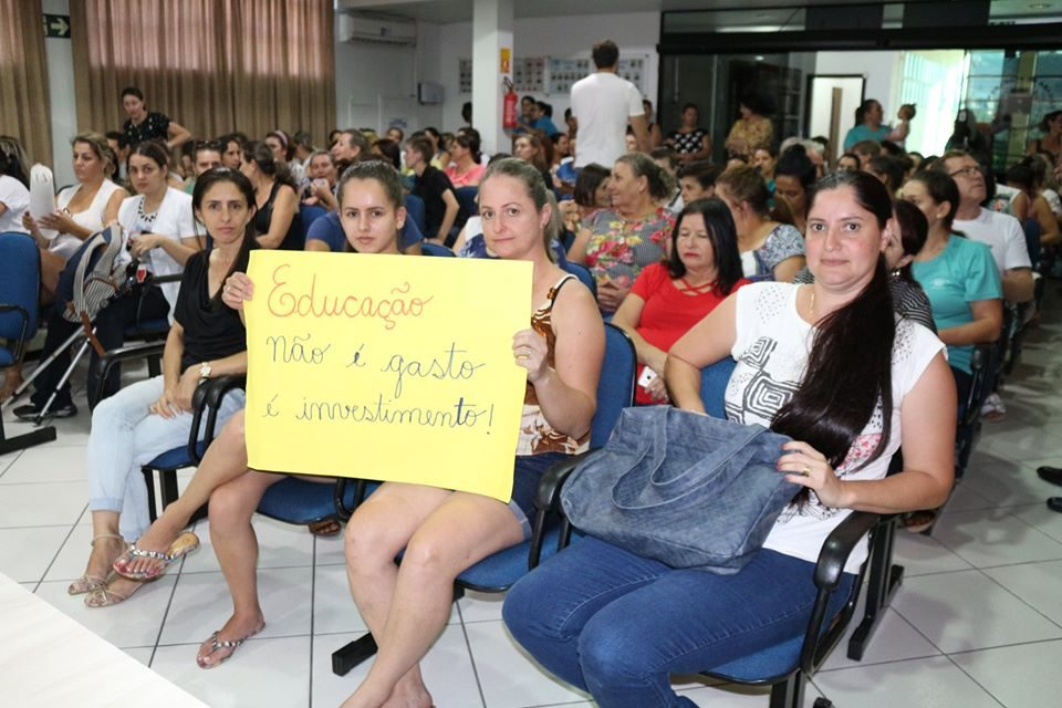 Vereadores beltronenses mantiveram o veto do prefeito no projeto da educação