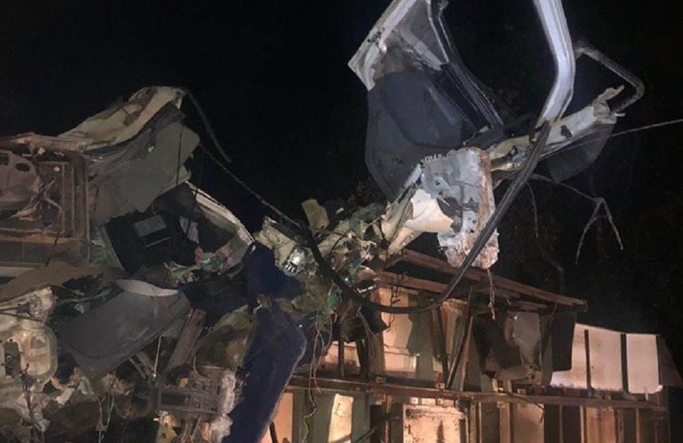 Colisão evolvendo três carretas matou caminhoneiro na BR 153