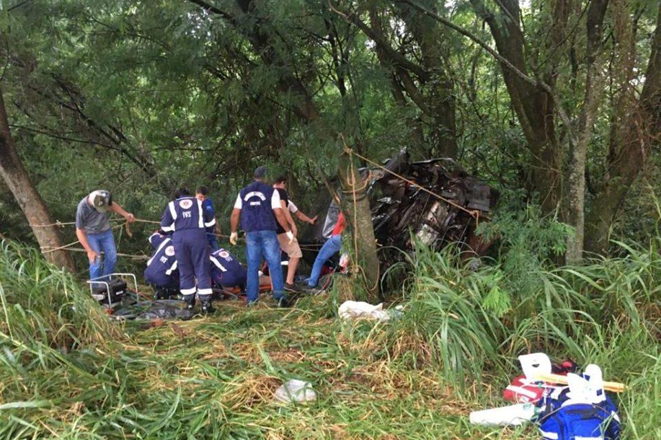 Grave acidente registrado na PR-182 envolve irmãos de Santa Izabel do Oeste
