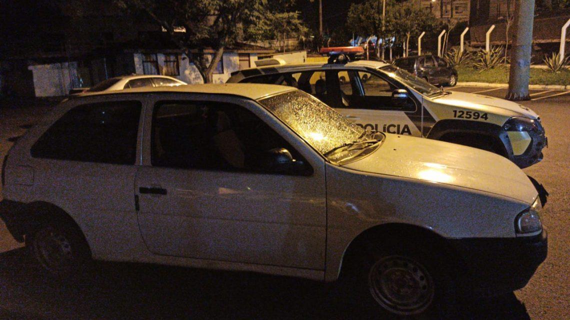 Menores com longa ficha criminal são pegos furtando carro em Francisco Beltrão