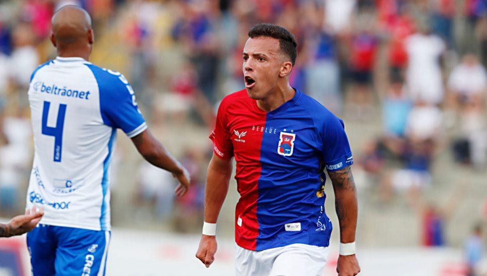 União perde para o Paraná Clube e fica perto do rebaixamento
