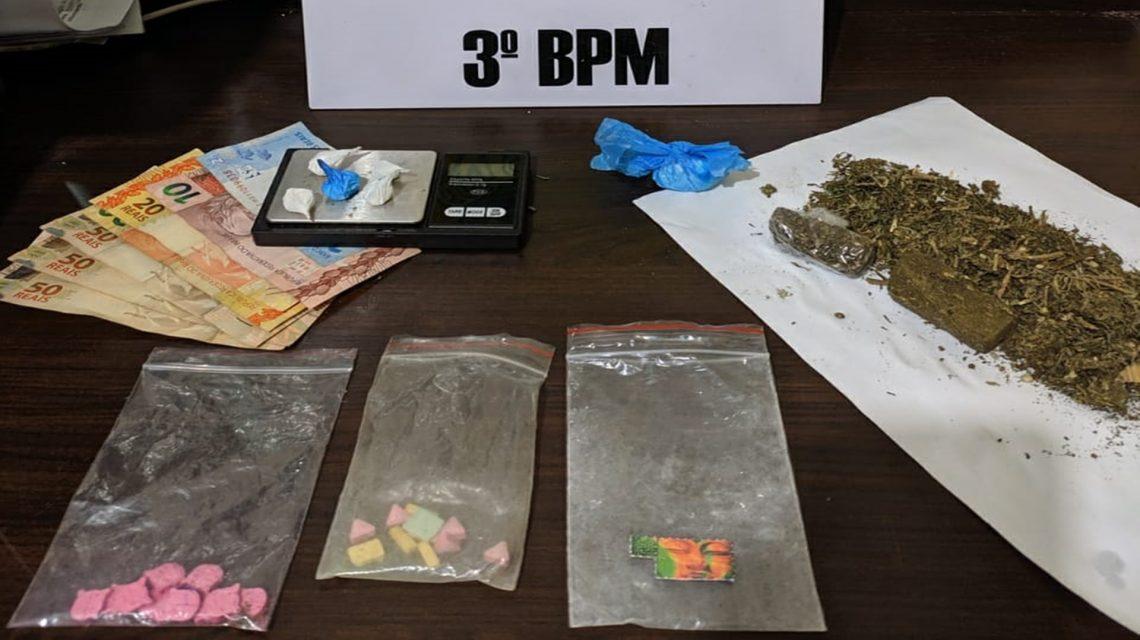 Polícia Militar apreende cocaína, crack, lsd, ecstasy e maconha em Pato Branco
