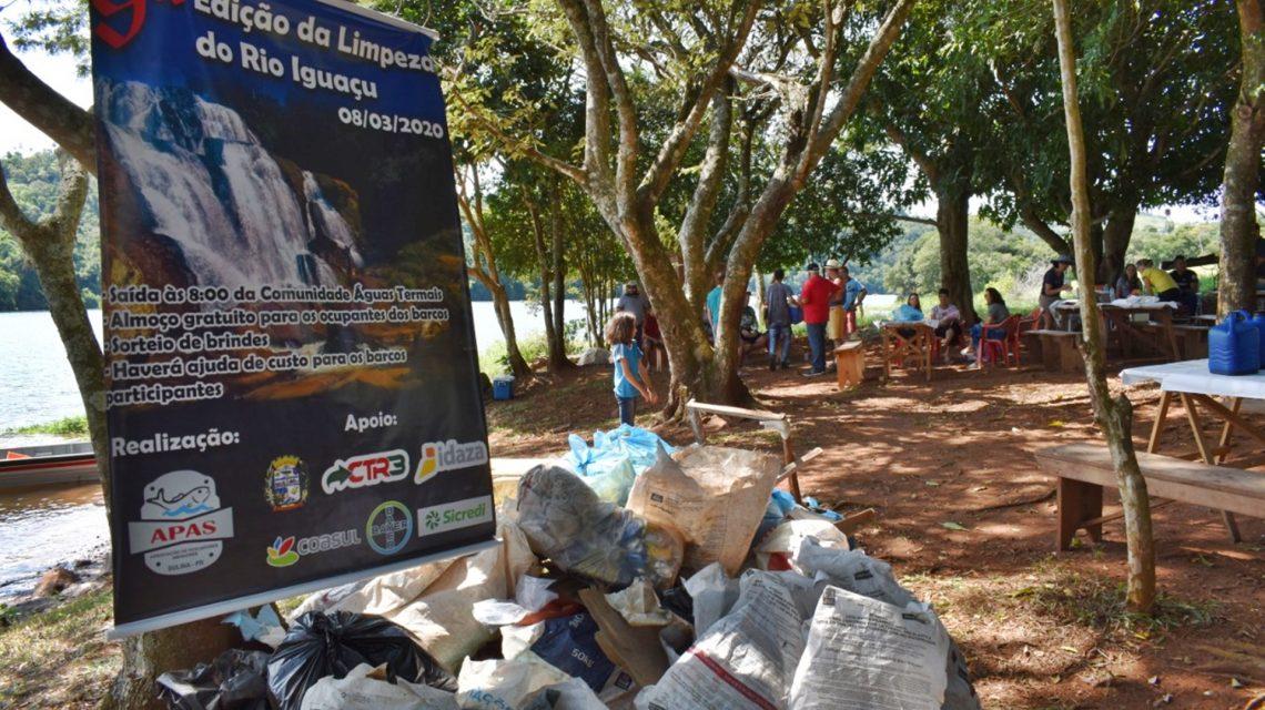 Pescadores amadores recolhem cerca de 800 Kg de lixo no Rio Iguaçu, em Sulina
