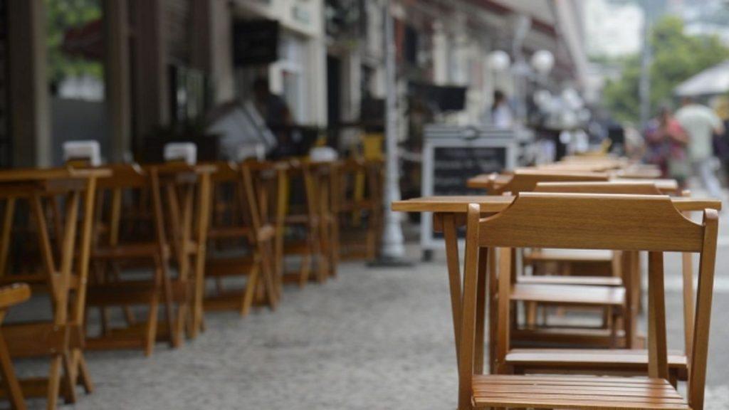 cadeira-restaurante-agência-Brasil