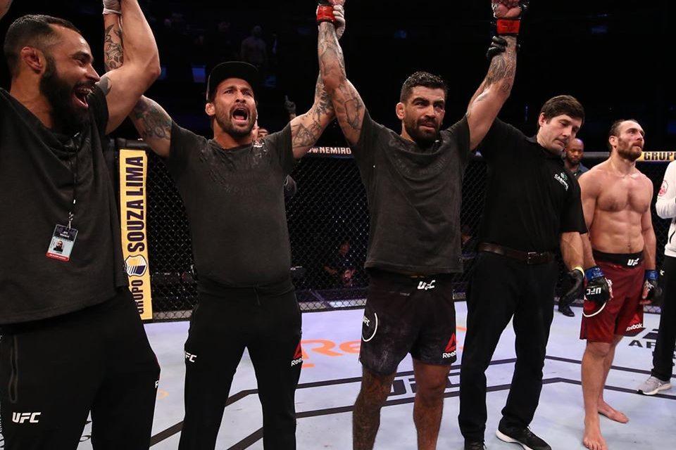 Elizeu Capoeira vence mais uma luta no UFC
