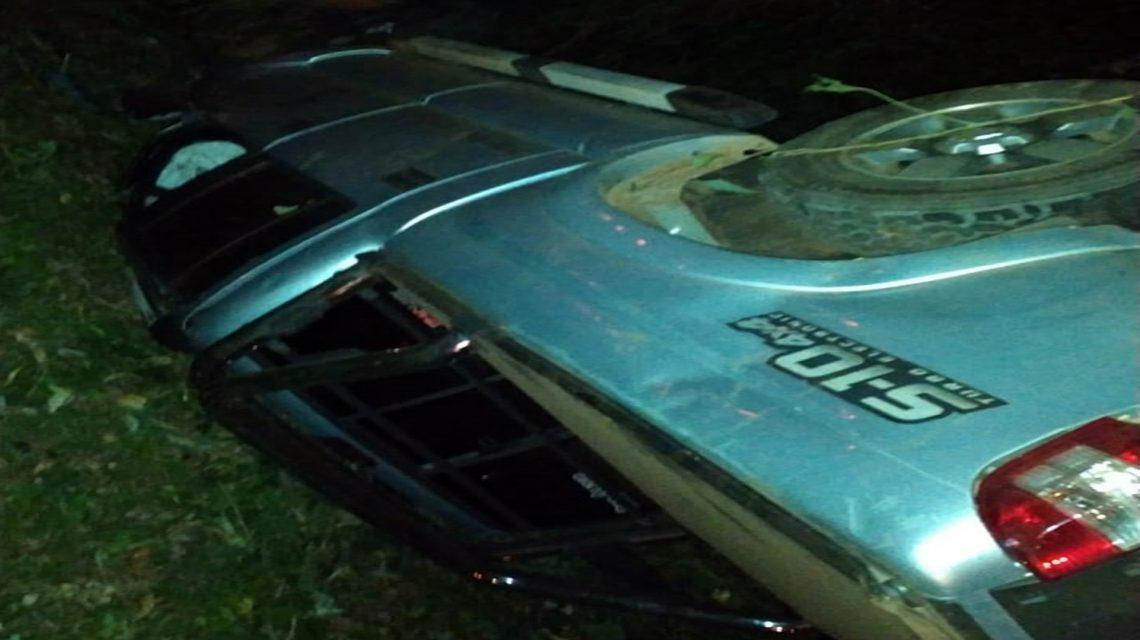 Motorista de 73 anos fica ferido em capotamento na PR-570