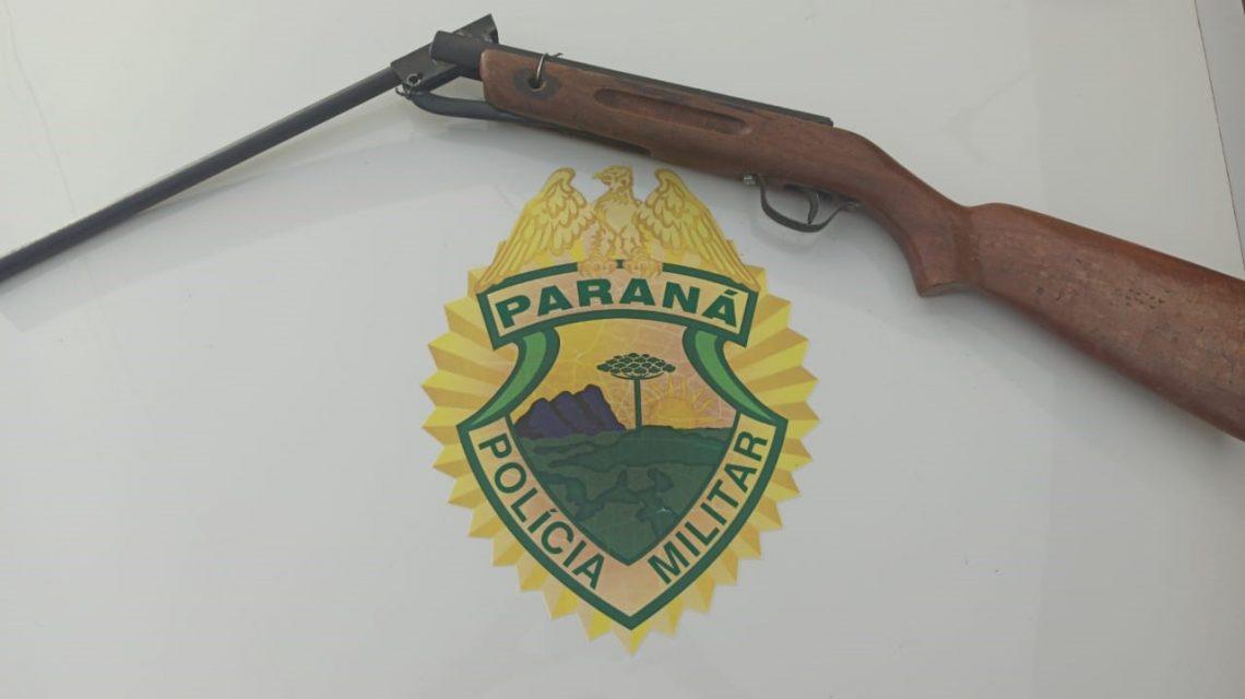 PM de Palmas apreende homem com espingarda e registra roubo em residência