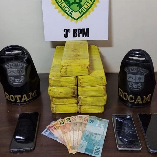 Polícia Militar apreende 10 kg de maconha em trevo de Pato Branco