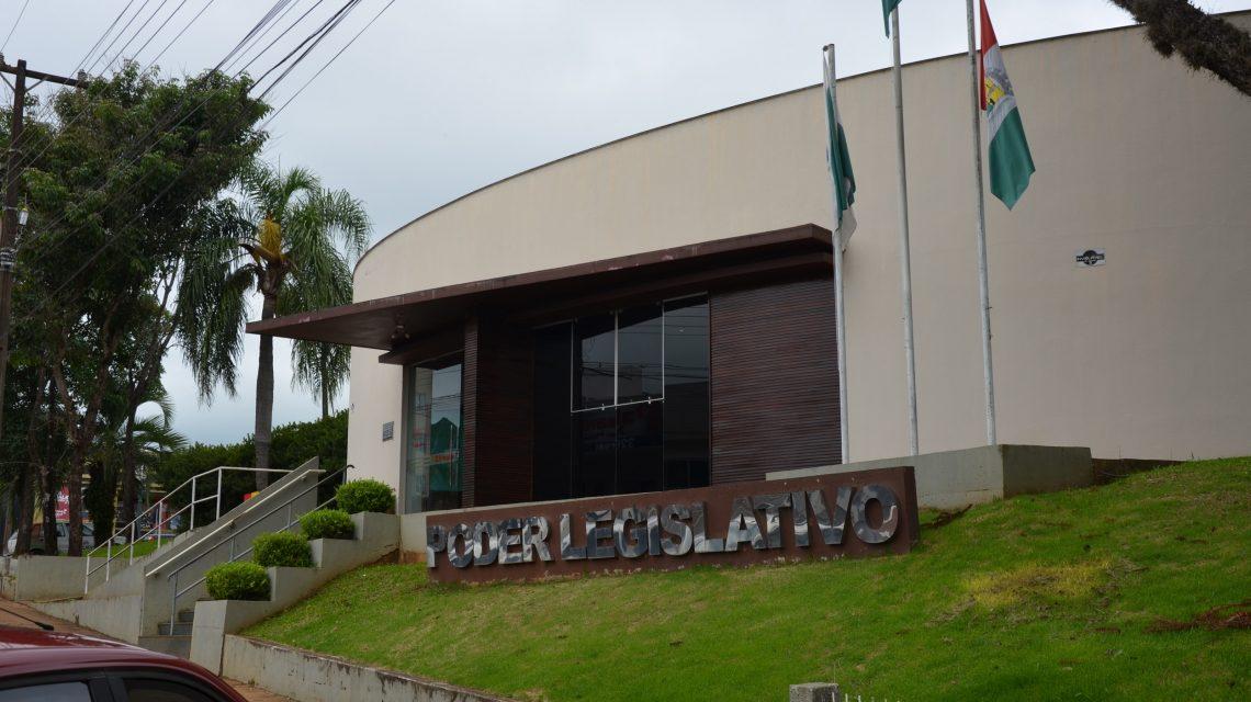Câmara de Palmas extingue mandato de Ademar Santos Nunes