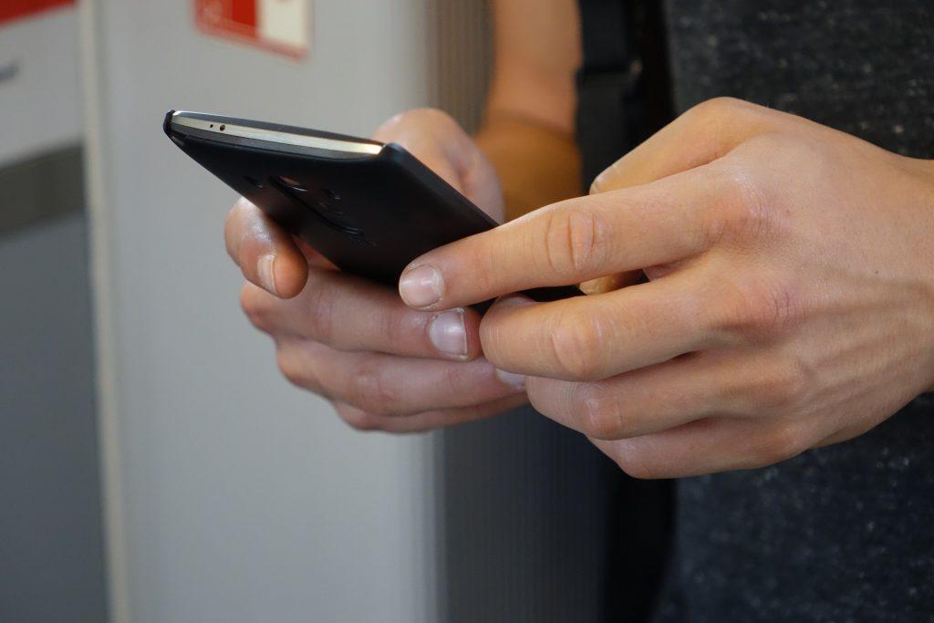 smartphone-2454611_1920