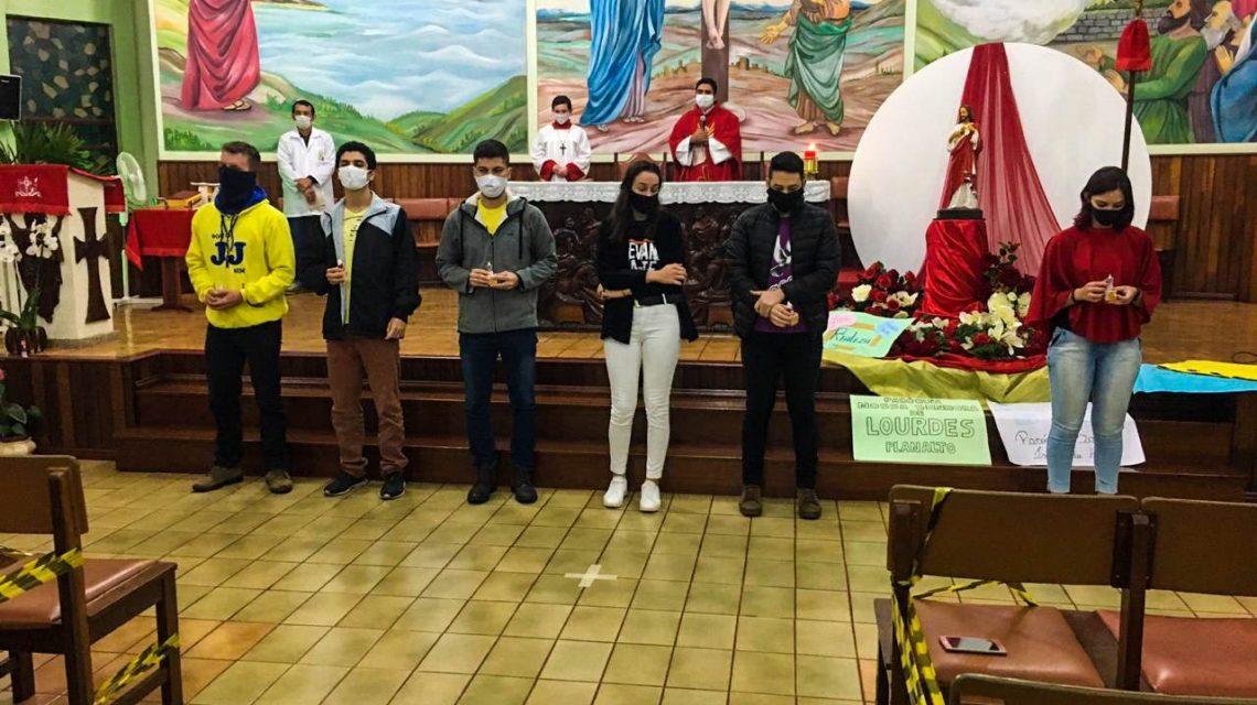Decanato de Realeza celebrou a Missa Jovem, na Paróquia de Pérola