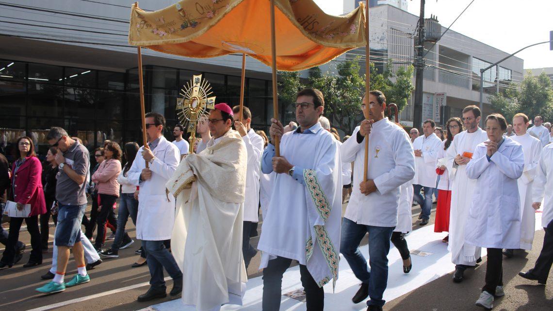 Bispo da Diocese de Palmas-Francisco Beltrão orienta sobre o dia de Corpus Christi