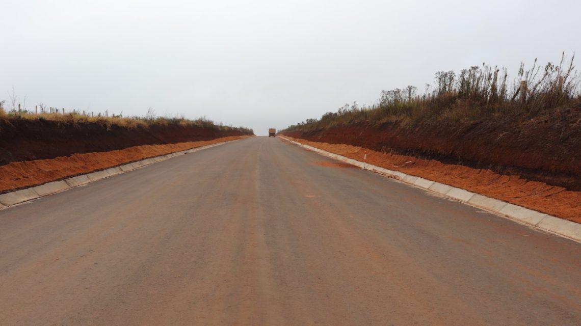 Ainda em construção, pavimentação da PR-912 já traz benefícios